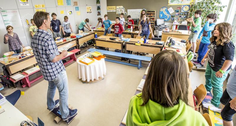 "Parlamentarischer Vorstoss zu Projekt ""schule bewegt"""