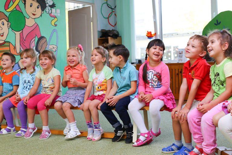 """Parlamentarischer Vorstoss: """"Umsetzung der Kinderrechtskonvention in der Stadt St. Gallen"""""""